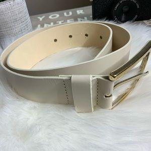 Banana republic leather belt beige
